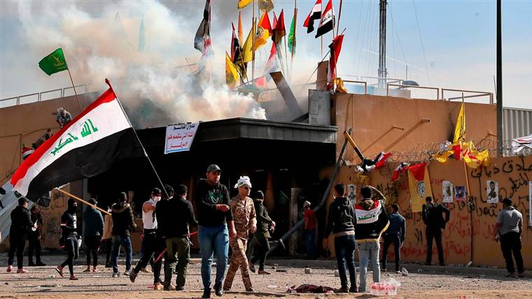Iraq protesters attack US Embassy