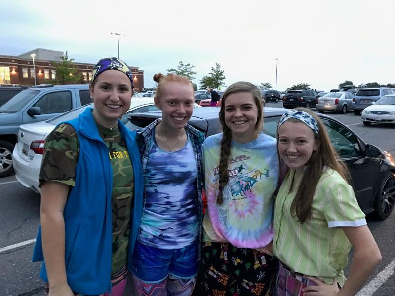 Oakdale+Seniors+Amber+Underwood%2C+Olivia+Sothoron%2C+Sarah+Case%2C+and+Jess+Smith+pose+before+school+in+their+wacky+tacky+gear.+%0A
