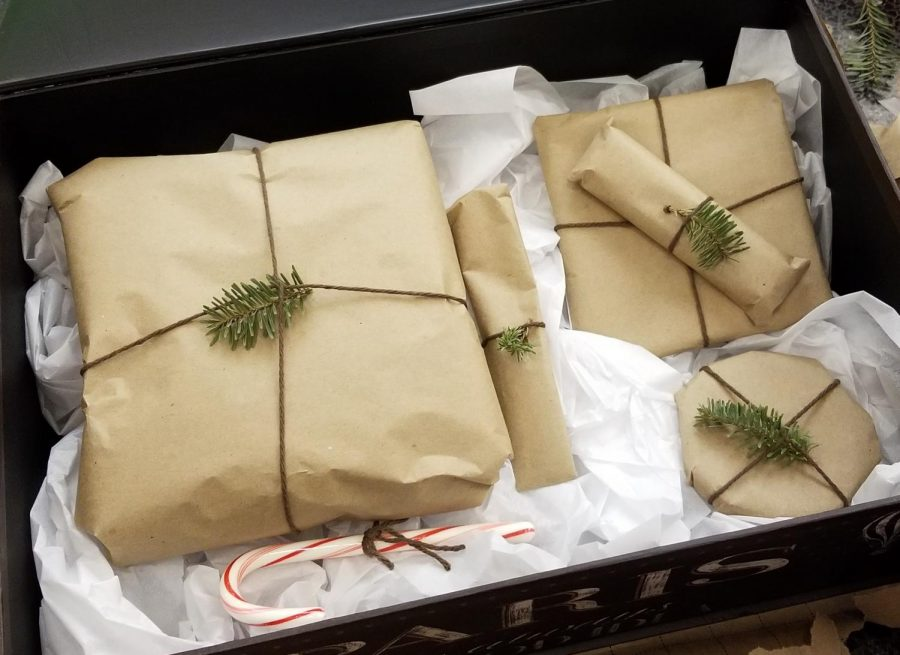 Wrapped+Christmas+Gifts