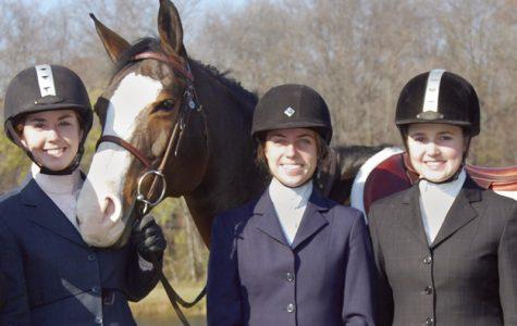 The Oakdale High School Equestrian Team