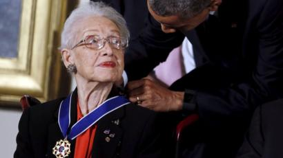 Katherine Johnson being awarded the Presidential Medal of Freedom.