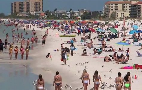 """College students on """"extended spring break"""" amid pandemic"""