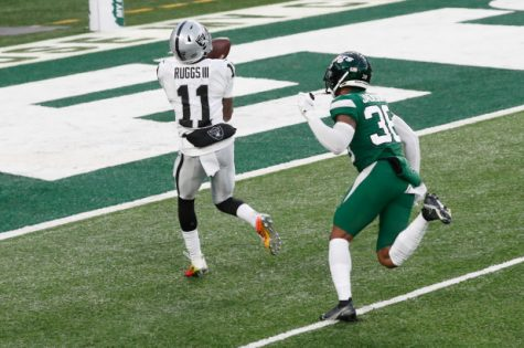 Henry Ruggs catches the game-winning pass against the Jets.